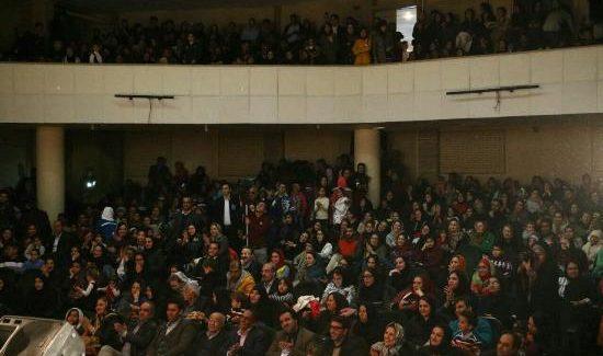 به مناسبت شب یلدا، برنامه قصه گویی چله باران در مرودشت برگزار شد.